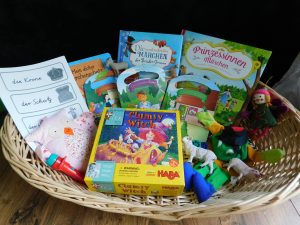 Read more about the article Bilingual Story basket – Fairytales